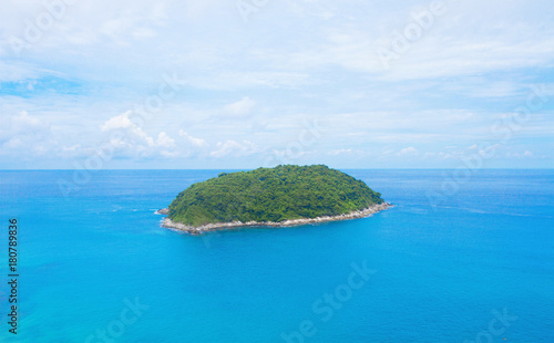 Papiers peints Tropical plage Island blue sea beautiful in Phuket Thailand