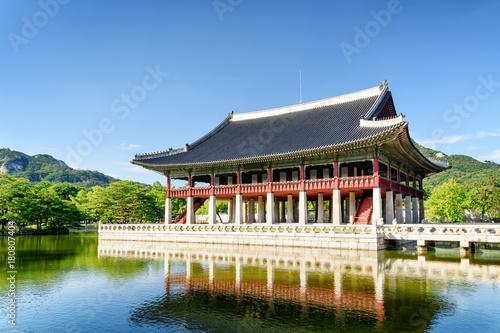 Plexiglas Seoel Amazing view of Gyeonghoeru Pavilion at Gyeongbokgung Palace