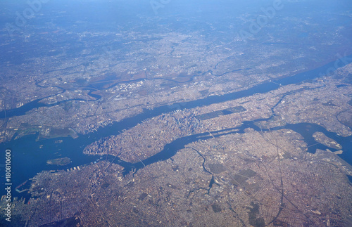 Keuken foto achterwand Lavendel Aerial view of New York City with the East River and Hudson River