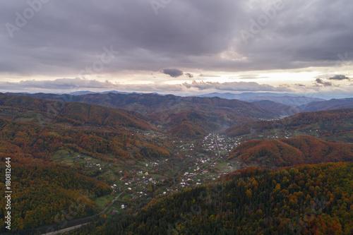Foto op Plexiglas Lavendel Autumn in Carpathian mountains