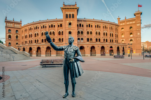 Foto Murales Las Ventas Bullring in Madrid, Spain.