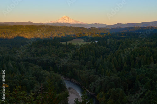 Mount Hood view from Jonsrud Viewpoint few hours before sunset with Sandy River in the valley Plakát