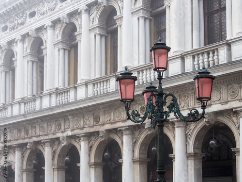 Poster Pattern and light post in front of Doge's Palace in Venice