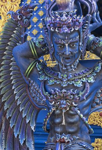 Fotobehang Thailand Statue detail Blue Temple Chiang Rai Thailand