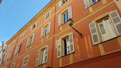 Papiers peints Nice Façades colorées des immeubles à Nice
