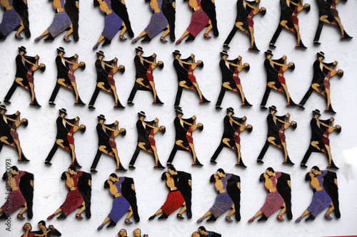 Keuken foto achterwand Buenos Aires Refrigerator magnets with the image of tango dancers are sold during the festival of tango on the street