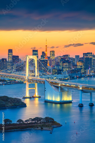 Staande foto Tokio Tokyo. Cityscape image of Tokyo, Japan with Rainbow Bridge during sunset.