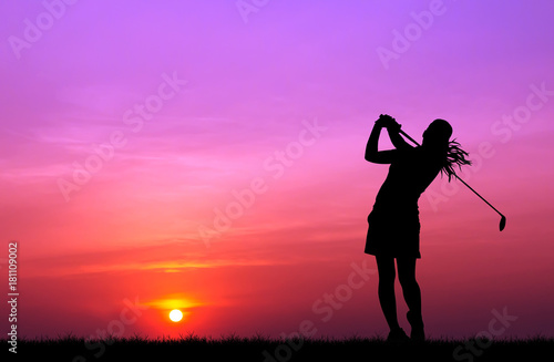 Leinwanddruck Bild silhouette golfer playing golf during beautiful sunset