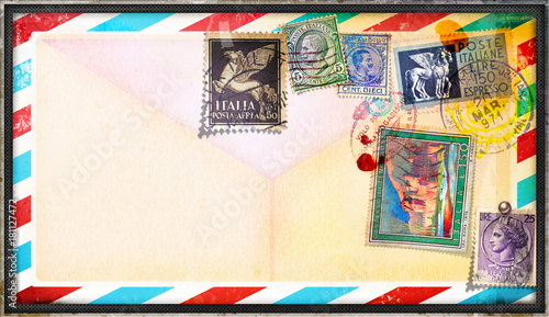 Foto op Canvas Imagination Cartolina vintage di posta aerea con vecchi francobolli italiani
