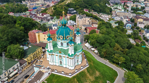 Foto op Plexiglas Kiev Aerial top view of Saint Andrew's church and Andreevska street from above, cityscape of Podol district, city of Kiev (Kyiv), Ukraine
