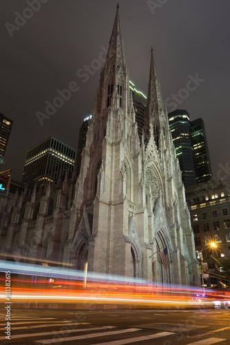 Foto op Aluminium New York St. Patrick cathedral at night