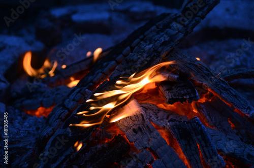 Feuer - 181385495