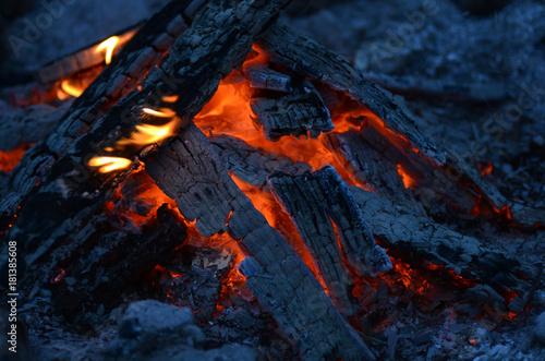 Feuer - 181385608