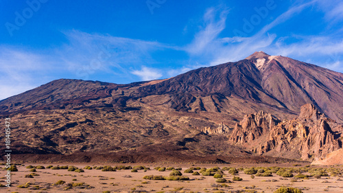 Papiers peints Iles Canaries landscape with mount Teide in Teide National Park - Tenerife, Canary Islands