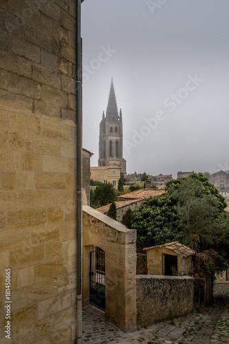Plagát saint-Emilion, rue des anciennes ecoles, bell tower view