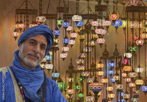 Marokkaner mit orientalischen Lampen