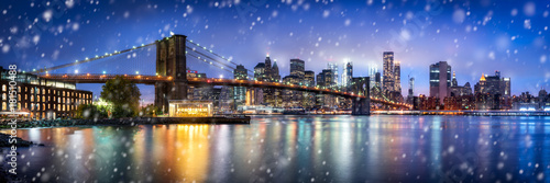 Staande foto Brooklyn Bridge Brooklyn Bridge Panorama im Winter in New York City, USA