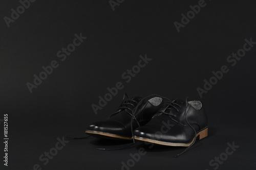 huge discount 3f47c be46e de fondo negro Zapatos sobre negro color Fxdnv68