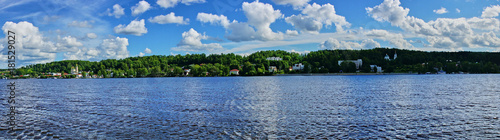 Keuken foto achterwand Panoramafoto s Panorama of the Volga River/The summer water landscape of the Volga River. Panorama. Plyos, Ivanovo region, Russia. The Golden ring of Russia