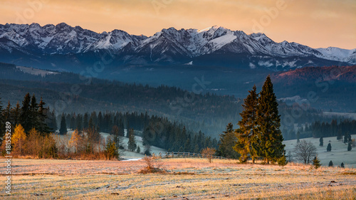 Wall mural View of the Tatras in the morning