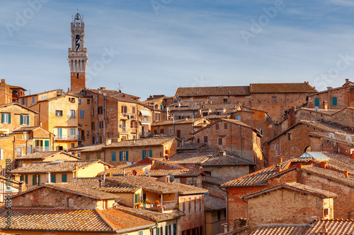 Staande foto Toscane Siena. View of the old city district.