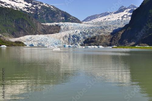 Deurstickers Khaki Mendenhall Glacier in Alaska, United States