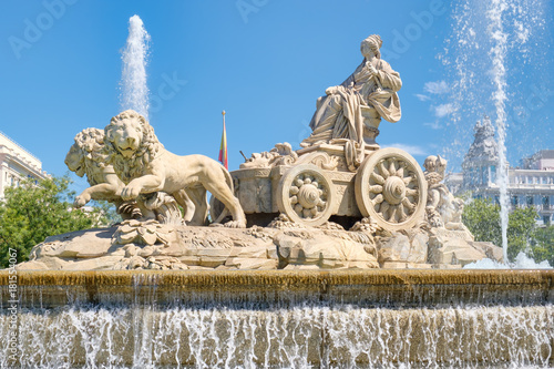 Poster Oceanië The Fountain of Cibeles, a symbol of Madrid