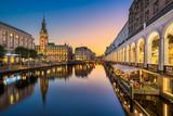Rathaus von Hamburg, Deutschland - 181558452