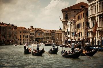 Gondola w kanale Wenecja