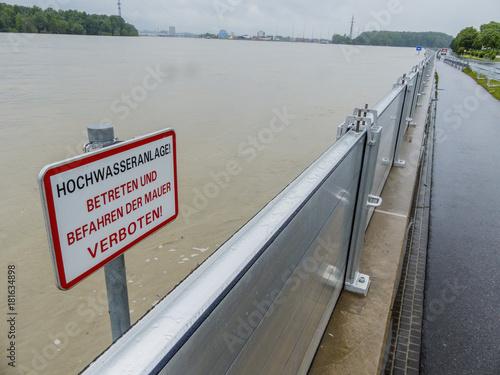 Foto op Plexiglas Rivier flood 2013, mauthausen, austria