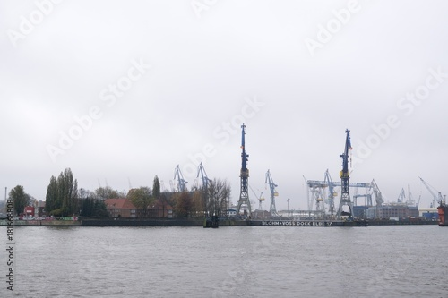 Papiers peints Navire Hamburg, Germany- November 15, 2017: Hamburg Harbor during rainy day. Germany