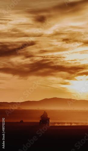 Fotobehang Zonsopgang Steppe Sunset