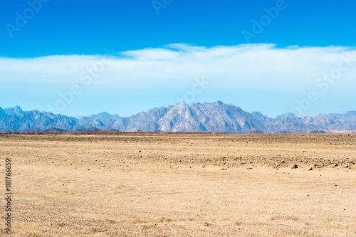 Papiers peints Piscine Landscape of the Arabian desert