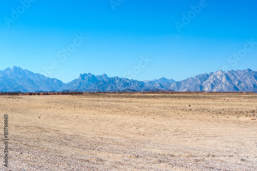 Tuinposter Blauw Landscape of the Arabian desert