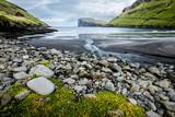 île féroé faroe island plage falaise risin kellingin tjornuvik - 181840874