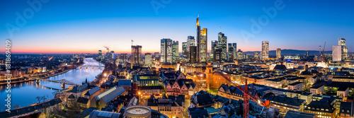 Naklejka Frankfurt am Main Skyline Panorama bei Nacht