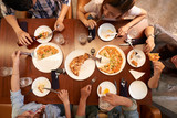 Young people eating pizzaa - 181925079