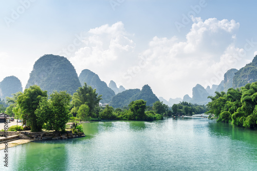 Plexiglas Guilin Beautiful view of the Yulong River with azure water, China