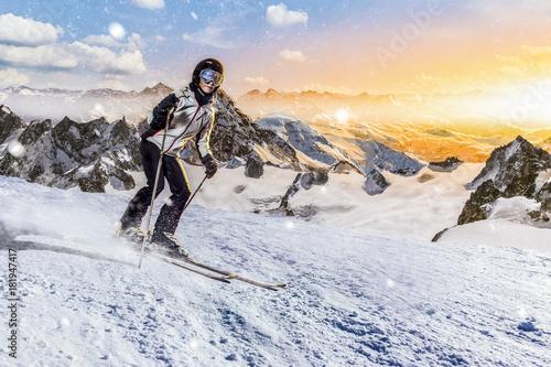 fototapeta na ścianę skifahrerin rast über die piste
