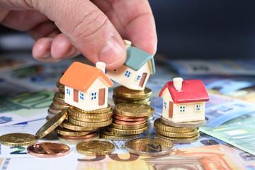 euros billet monnaie argent change credit hypotheque banque BCE europe annŽe 2018 taux augmentation interets immobilier logement maison