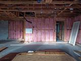 Stud wall insulation - 181966413