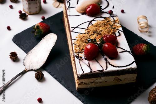 Poster Homemade Christmas cake with fresh strawberries