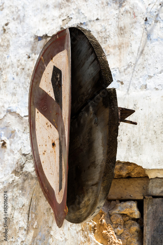 Foto op Aluminium Zanzibar Sansibar - Straßenschild - Hausnummer