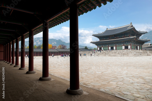 Tuinposter Seoel Gyeongbokgung palace in Seoul city, South korea.
