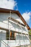 Rusztowanie, rodzinny dom w budowie - 182084684