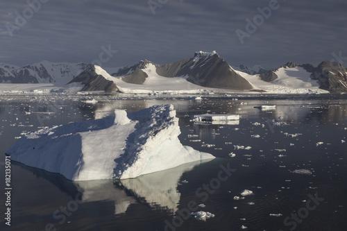Deurstickers Antarctica Abendszene im Laubeuf Fjord