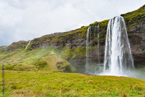 Foto op Plexiglas Wit view of Seljalandsfoss waterfall in autumn