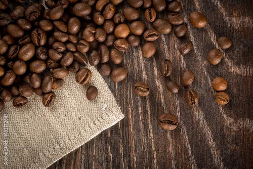 Staande foto Koffiebonen roasted coffe beans