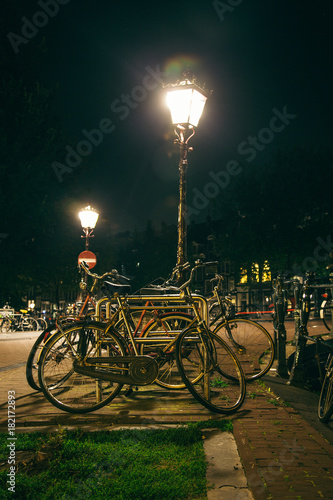 Foto op Canvas Fiets bicycle by night
