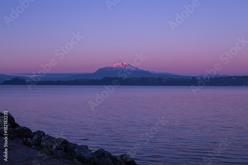 Deurstickers Zee zonsondergang Calbuco volcano, chile